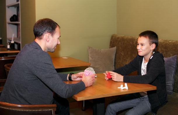Семья. Павел Назаров во всем находит общий язык со своим сыном Тихоном, однако на выборе его увлечений и тем более будущего не настаивает. Фото: Юрий ГУШАН